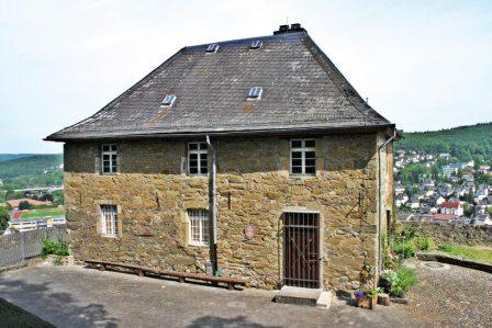 Im Stockhaus, dem ehemaligen Gefängnis, wurde vermutlich Jan Rubens, der Vater des berühmten Malers Peter Paul Rubens, inhaftiert.