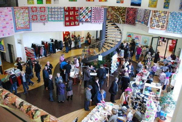 Ein Foto vom Patchwork- und Handarbeitstag im Gemeindezentrum der FeG Dillenburg