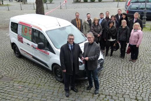 Jugendbusfinanzierung Archivfoto Übergabe aus dem Jahr 2016